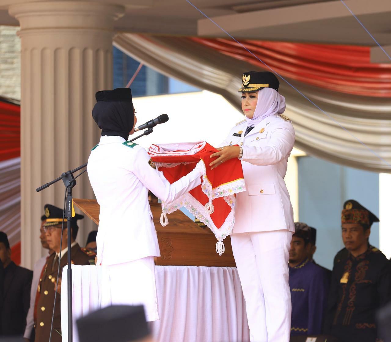 HUT RI Yang Ke-74 Bupati Tuba Pimpin Upacara Pengibaran Bendera Merah Putih.